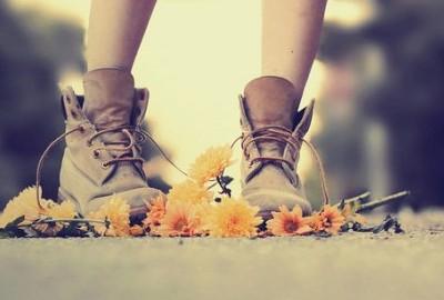 冬天一双旧凉鞋